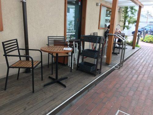 りくろーおじさん住之江公園店のテラス席