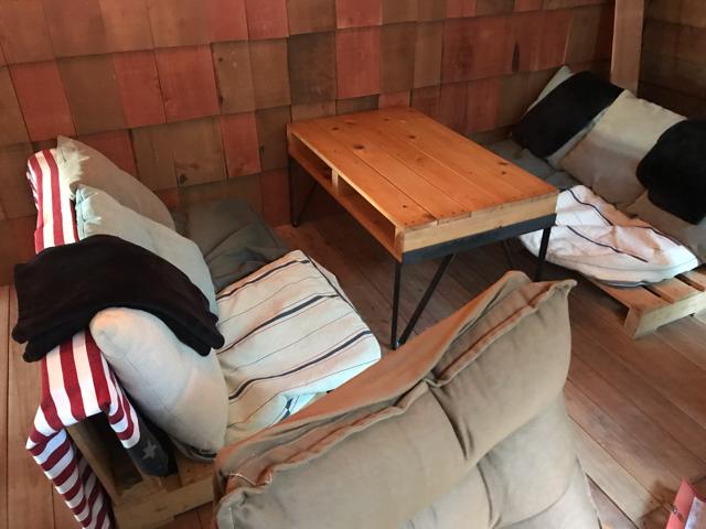 カップスコーヒー&カップケーキのテラス席