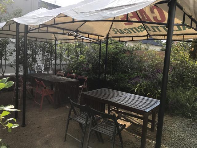 アリトルビットカフェのテラス席