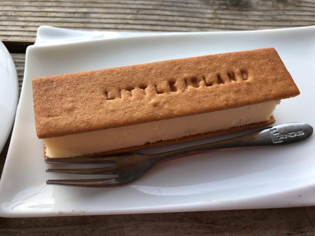 リトルアイランド狭山本店のチーズケーキ