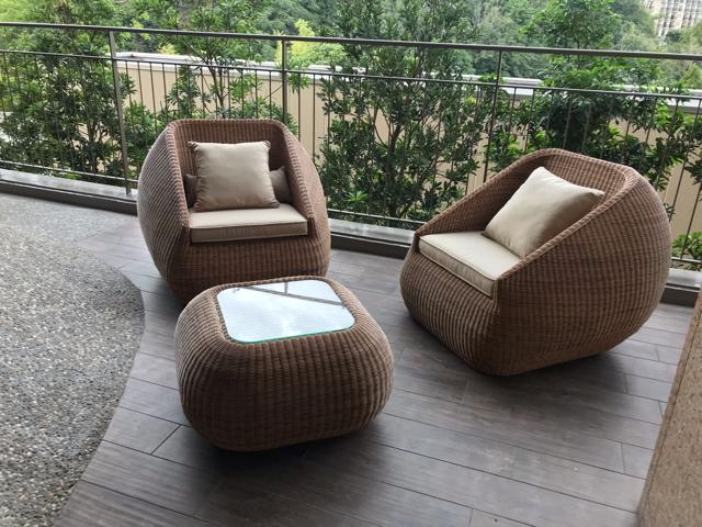 ドッグアップヴィラのワンちゃん専用ホテルのワンちゃん用足湯にあるソファー