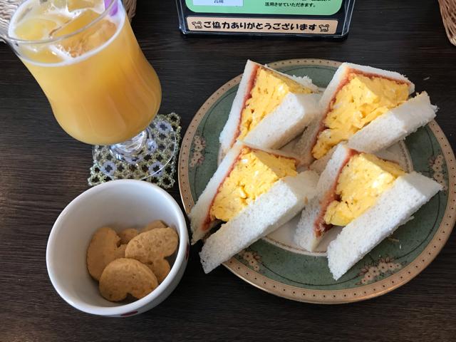 カフェデロロまきの店の卵サンドイッチ