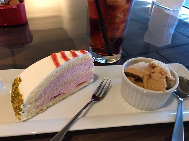 ドッグカフェメイプルのケーキセット