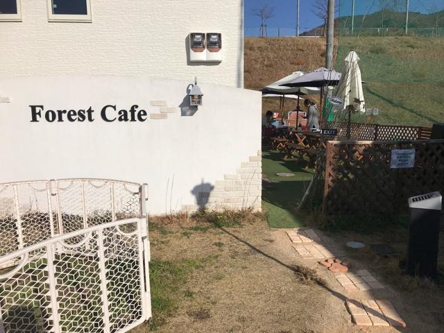 フォレストカフェのテラス席入口