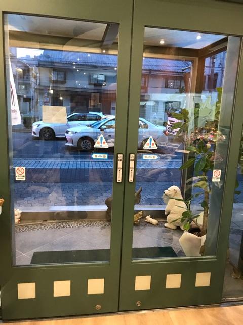 カフェメディマルの入口