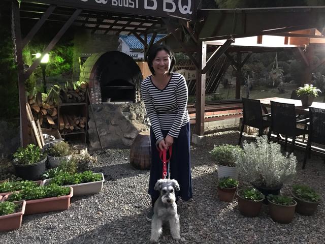 ゲストハウス山ぼうしオーナー様と愛犬